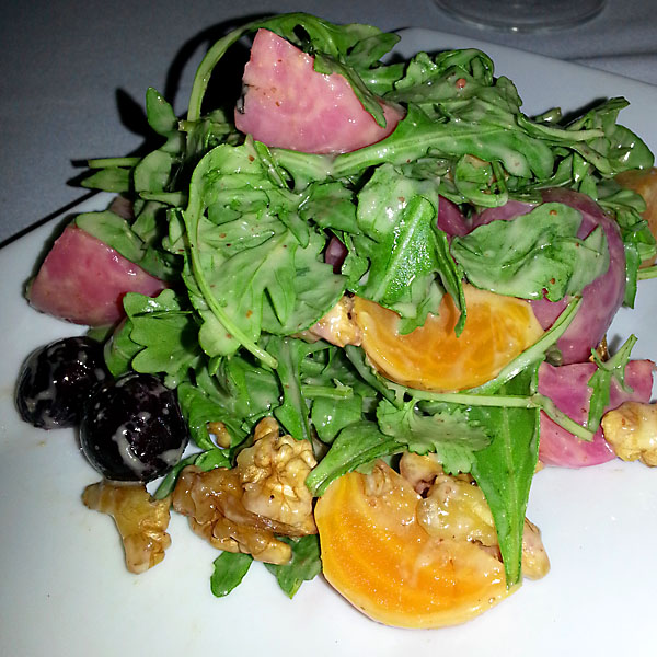 Beet salad with walnuts and arugula