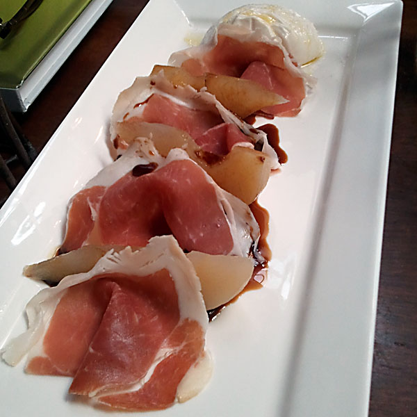 Prosciutto and pear appeteaser