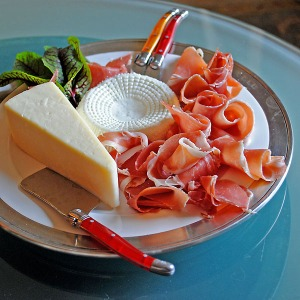 Ant cooks - cheese and prosciutto appiteaser plate